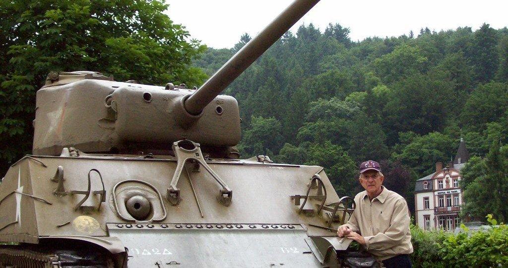 """""""Salute to WWII Veterans Jamboree"""" memorabilia exhibition. 2009"""