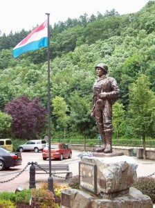 Statue to the American soldiers and units who fought in  the Battle of the Bulge to re-liberate Luxembourg. Clervaux. 2008/10.