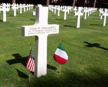 Gravesite of Cpl. John W. Smallbones of Wilmington, Army Air Forces bomber crewman KIA in 1944. Sicily-Rome American Cemetery. 2007.